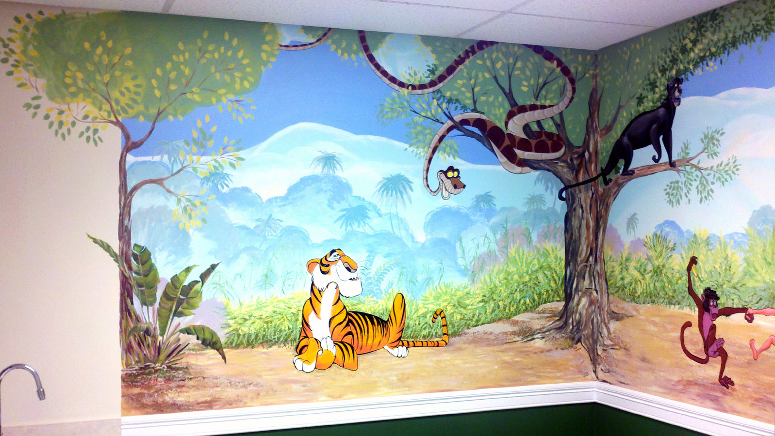murals for kids svetlana shorey disney s cartoons are the most favorite theme for kids and grownups i love them too